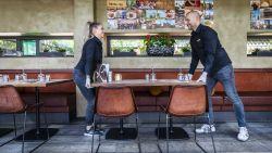 Drinken mag, aan de toog hangen niet: zo wil Horeca Vlaanderen cafés en restaurants weer opstarten