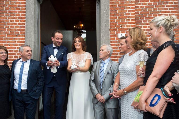 Belle Perez en Wout op hun huwelijksdag. Belle was toen zwanger van hun zoontje.