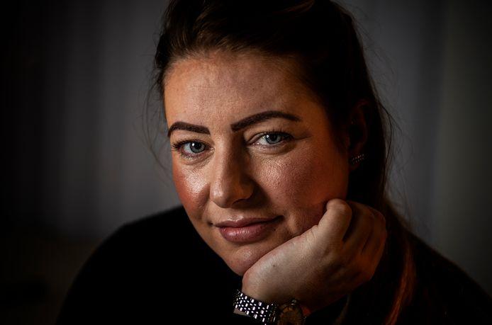Raquel Hulzebosch heeft spijt dat ze zo vaak onder de zonnebank ging