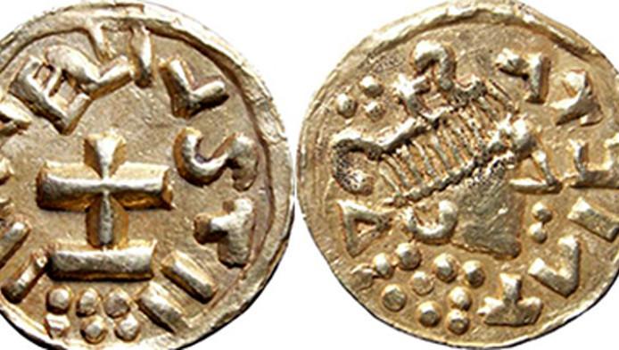 Een van de gevonden munten