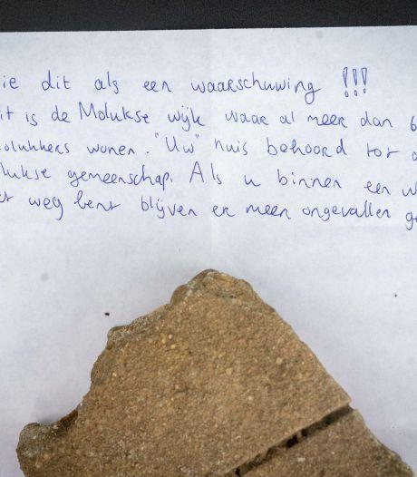 Steen door ruit en dreigbrief: huurster weggepest uit Molukse wijk in Elst