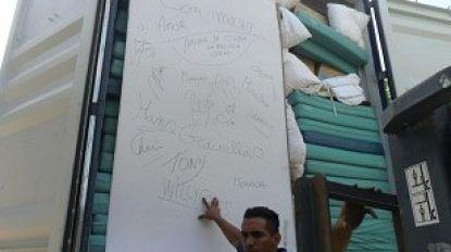Brandweerzone Centrum schenkt 80 matrassen aan vzw Vrienden van Cuba