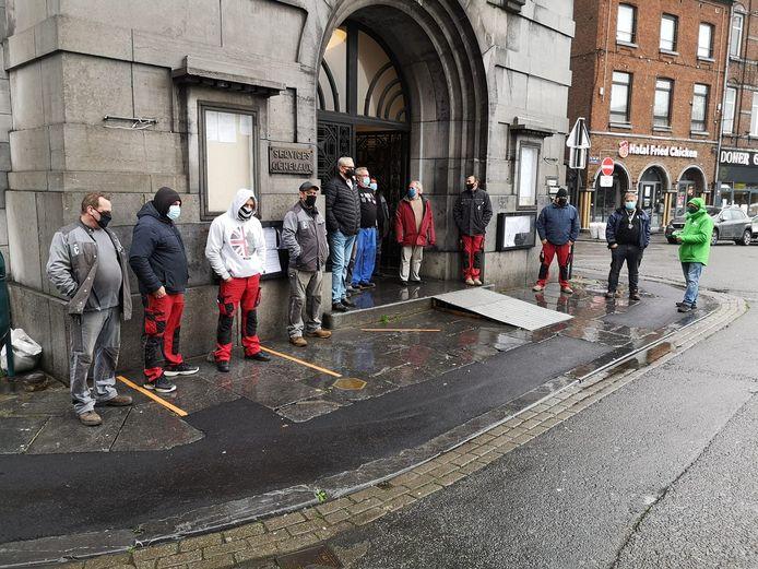 Les agents communaux avaient déjà manifesté ce mardi devant l'Hôtel de Ville de Charleroi
