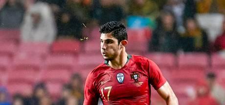 Valencia-aanvaller Guedes onder het mes voor hernia