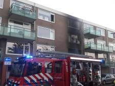 Ontploffing blaast raamkozijnen Vlissingse flat twintig meter weg, één dode: 'Het leek wel een bom'