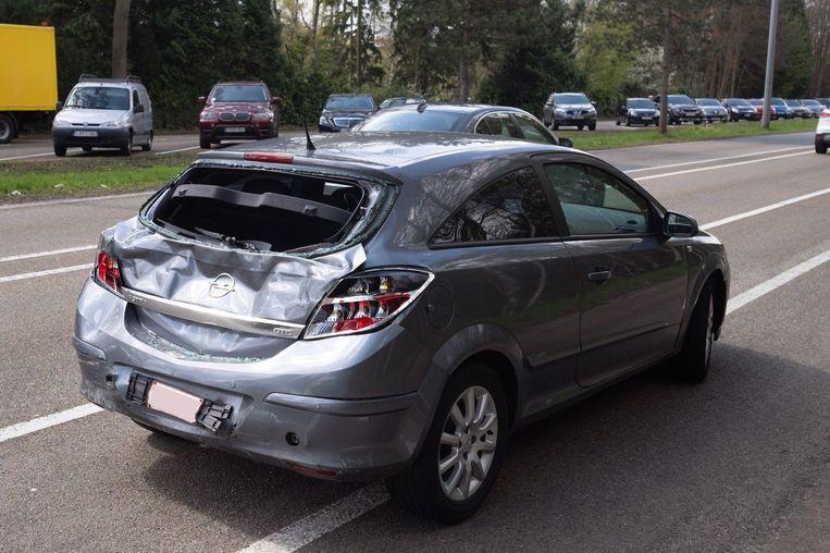 In de wagen liep de bestuurder verwondingen op.