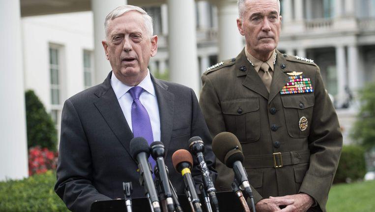 Amerikaans Defensieminister James Mattis (l.), samen met de voorzitter van de stafchef Joseph Dunford.