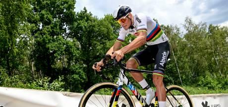 Van der Poel kijkt uit naar eerste Strade Bianche: 'De handige jongens op de fiets zijn hier in het voordeel'