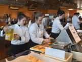 Scholieren houden 'restaurant' draaiende