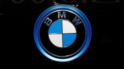 BMW-bende breekt in in vier wagens