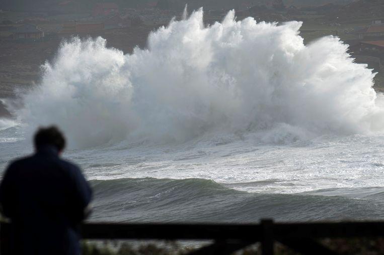 Ook een windsurfer kwam om het leven door het noodweer.