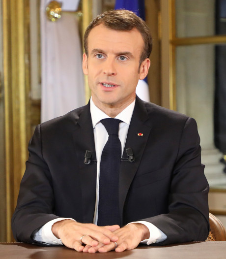 Macron verhoogt minimumloon met 100 euro per maand na protesten gele hesjes
