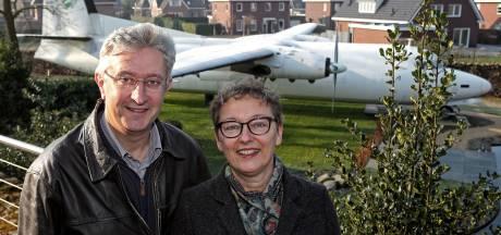 Esther en Gerhard winnen Bed & Breakfast met hun B en B-vliegtuig