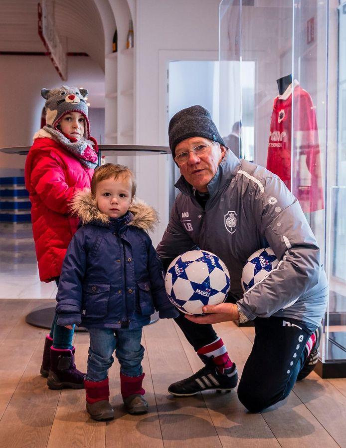 Bölöni kreeg kleinkinderen Emma en Robin op bezoek.