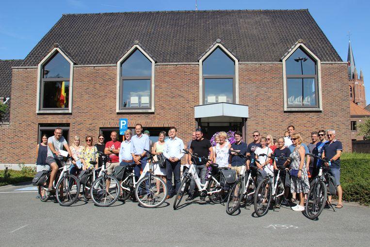 De testkaravaan moet het gemeentepersoneel warm maken om sneller voor de fiets te kiezen.