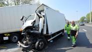 Vrachtwagenchauffeur gekneld bij aanrijding op Brusselse Ring
