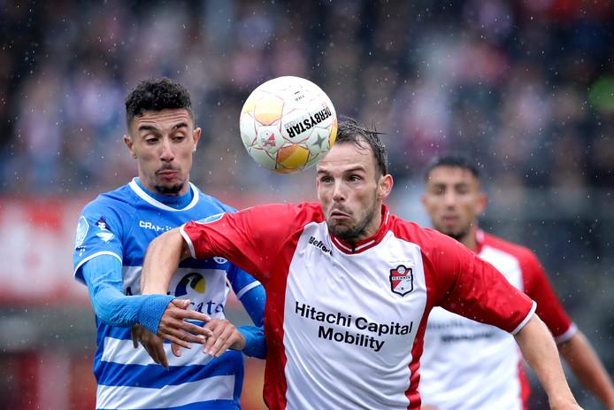"""Anco Jansen tekent tot 2021 bij in Emmen: ,,Toen handhaving een feit was, zei ik op het plein al 'tot volgend seizoen' tegen de supporters. Die woorden zet ik nu kracht bij."""""""