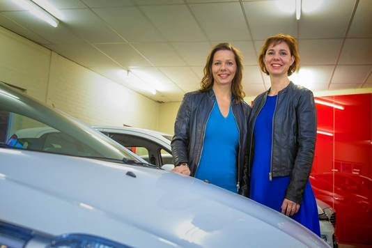 Mariëlle en Janita Hurkmans zijn in 2017 uitgeroepen tot ondernemers van het jaar in Bernheze.