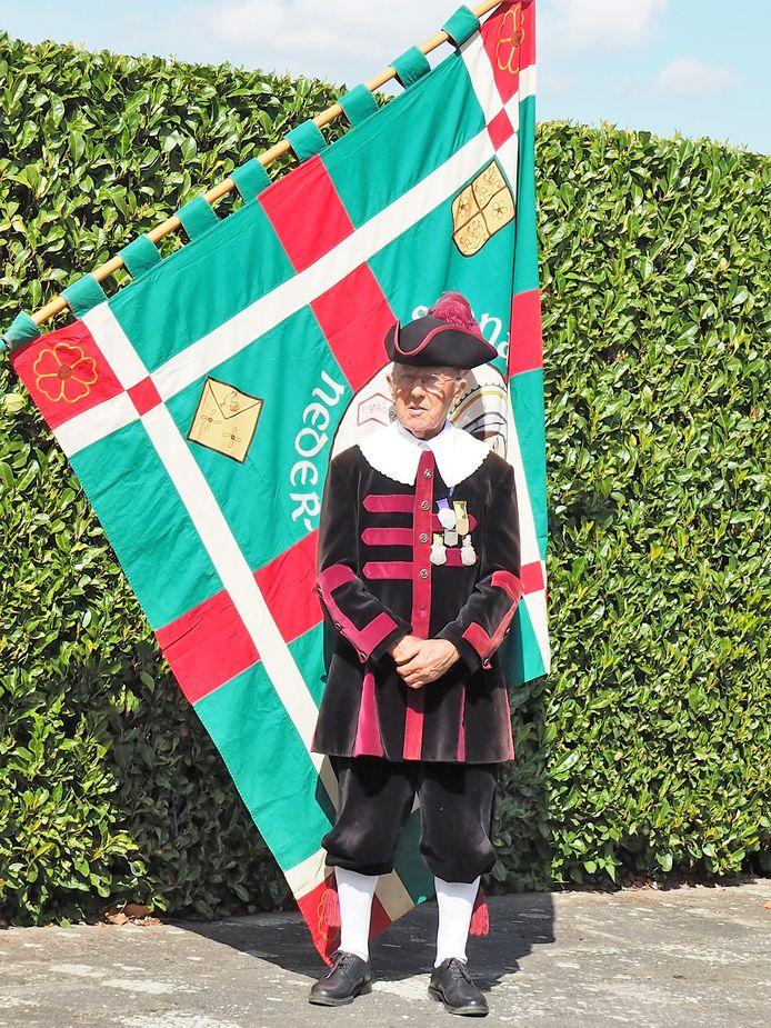 Tini Sanders is zondag gehuldigd vanwege zijn 75-jarig ildmaatschap van de Sint Annagilde.