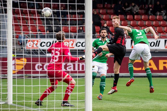 NAC kwam zondag goed weg tegen Excelsior, nadat dit doelpunt van Mike van Duinen onterecht werd afgekeurd. Het bleef mede daardoor 0-0.