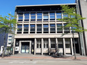 De voormalige Van MIerlo-bank aan de Wal in Eindhoven, later onderdeel van de ABN-Amro op de hoek Stadhuisplein.