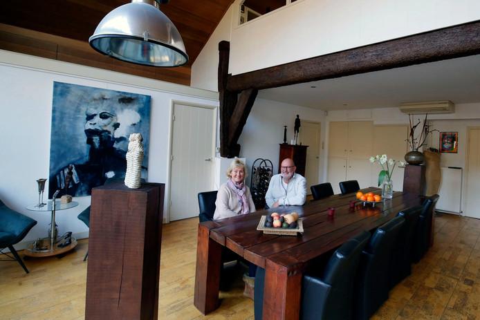 René en Mariëtte Schouten waren meteen verkocht toen zij de woonboerderij zagen. Nu vinden ze het tijd voor iets nieuws.