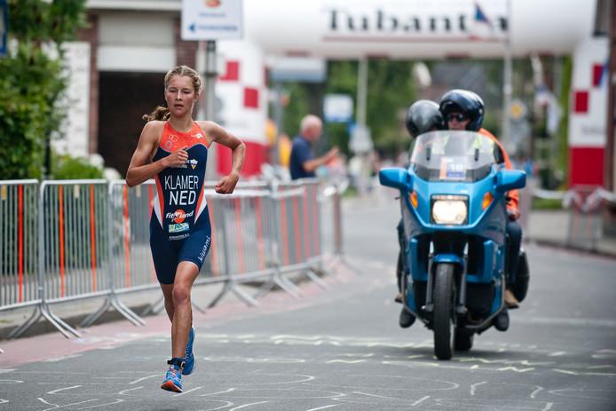 9d227720f18b66 Rachel Klamer zegevierde bij de vrouwen op de Triathlon in Holten. Foto  Emiel Muijderman