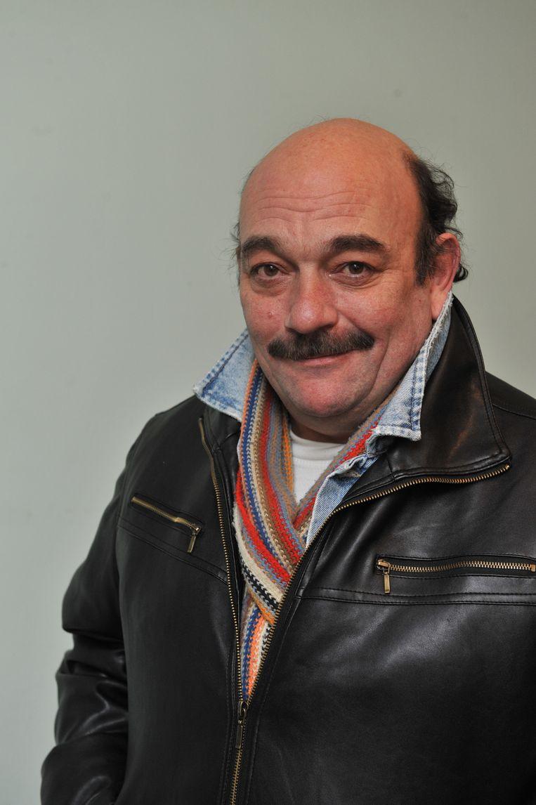 Dirk Martens werkte voor het Echt Antwaarps Theater en speelde op VTM ook mee in 'Chez Bompa Lawijt'.
