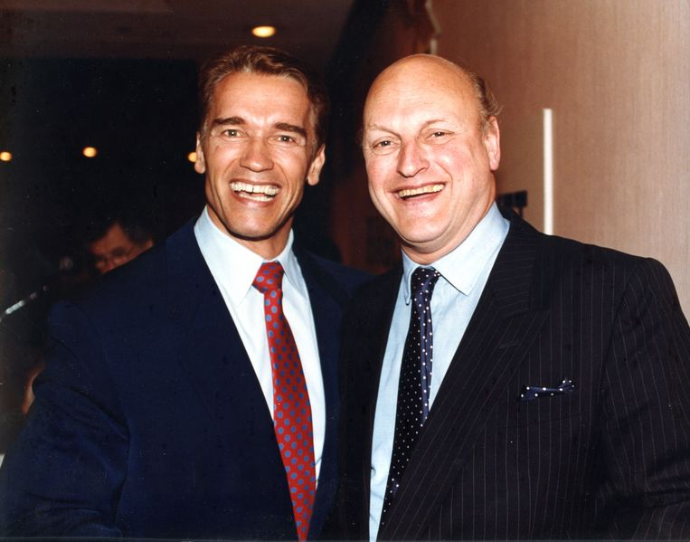 Frans Afman met Arnold Schwarzenegger Beeld The Hollywood Banker