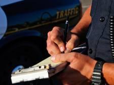 Controle langs A59 bij Waspik: twee aanhoudingen, 15.000 euro aan openstaande boetes en bekeuringen