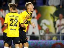 Van Hooijdonk voelt zich nu écht profvoetballer: 'Ik wil door'