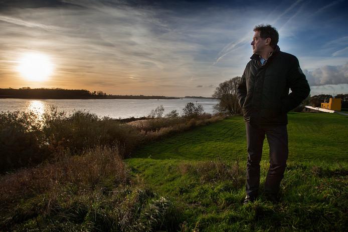 Rob Nijssen streed met de Barendrechtse stichting Wind van Voren vergeefs tegen de komst van de windturbines langs de Oude Maas.