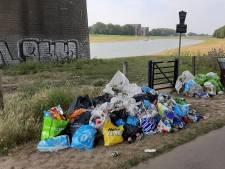'Palermo aan de Rijn'; Strandjes in Arnhem vol afval na tropisch weekend
