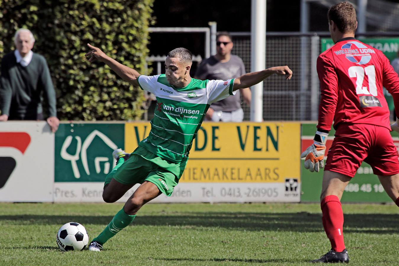 Nizar Mekkaoui haalt uit en maakt 1-1.