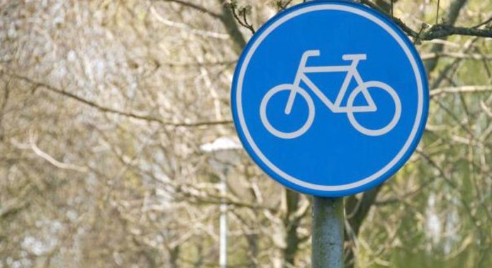 Als het aan de colleges van Alphen-Chaam en Gilze en Rijen ligt, komen er snel nieuwe fietspaden in de Chaamse bossen.