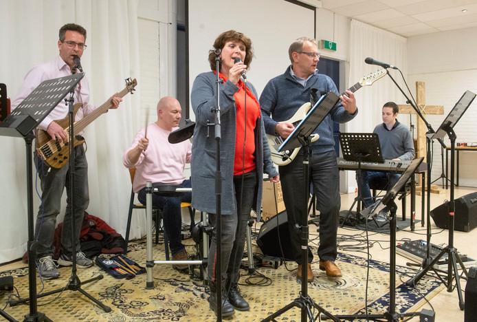 In de Pinkersterp in Oss wordt gerepeteerd voor de opvoering van The Passion in Oss.