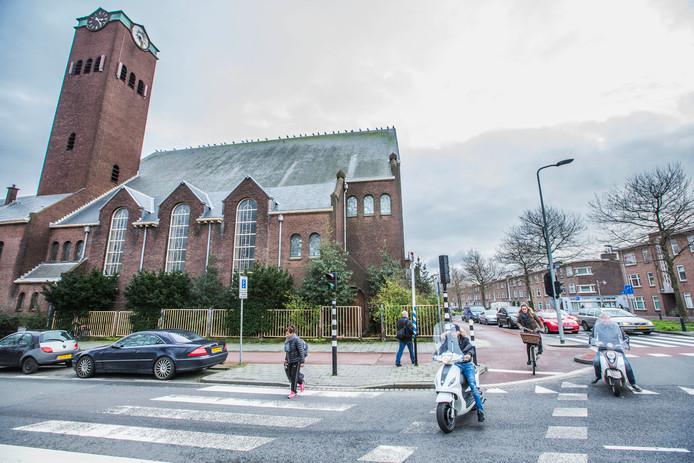 De Valkenbos-kerk moet behouden blijven, vindt de politiek.