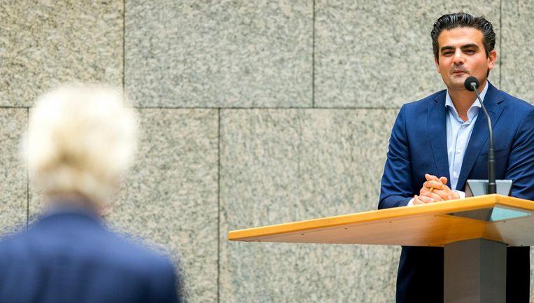 Fractievoorzitter van Denk Tunahan Kuzu in debat met PVV leider Geert Wilders. Beeld anp