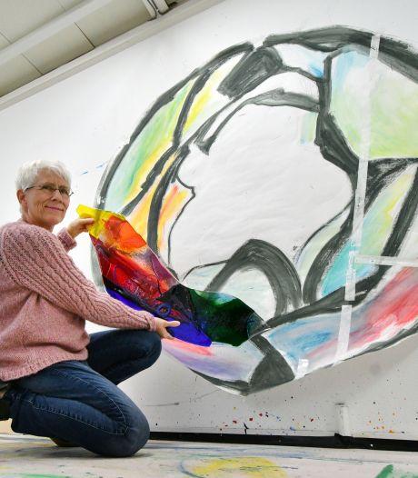 Annemiek Punt maakt eerste glaskunstwerk in de publieke ruimte: 'Artistieke uitdaging'