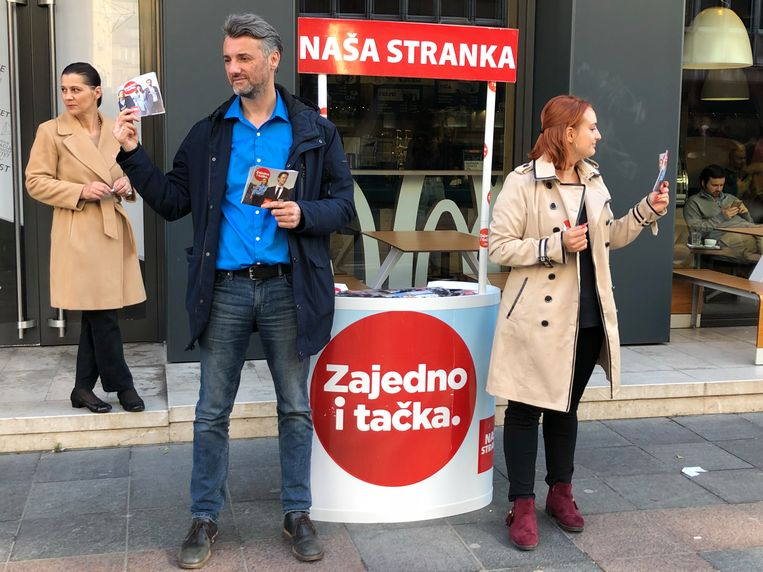 Edin Forto voert campagne in Sarajevo. Beeld Thijs Kettenis