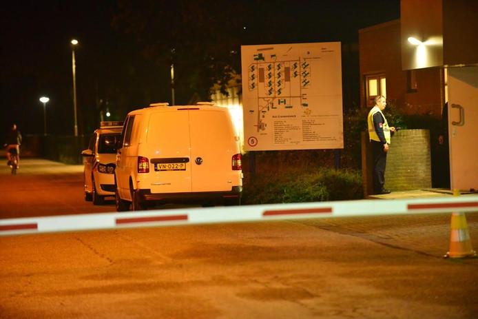 Bij het AZC in Budel was in de nacht van woensdag op donderdag een ruzie met als gevolg een gewonde