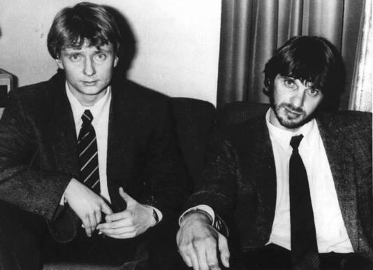 'Bloedgabber' Cor van Hout (l) en Willem Holleeder in 1985.