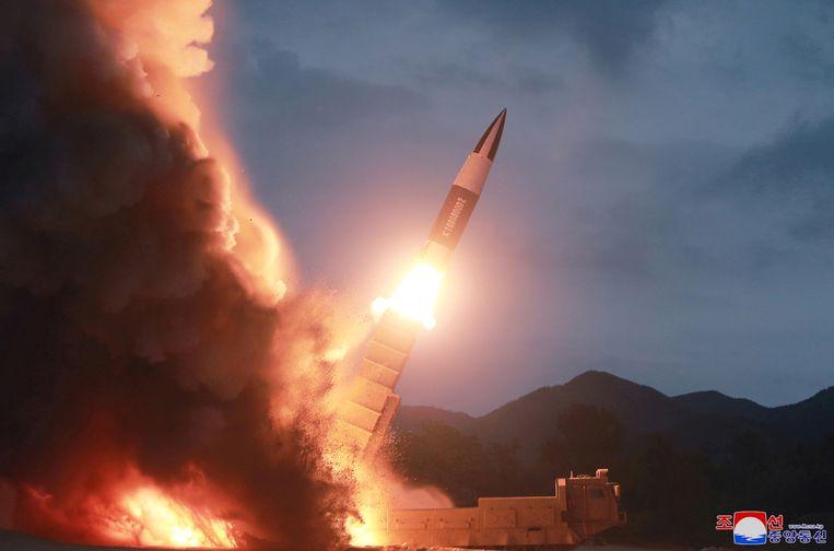 Deze foto werd zondag verspreid door het Noord-Koreaanse staatspersbureau KCNA.