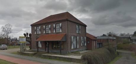 Op de plek van deze oude bakkerij in Milsbeek mogen huizen komen