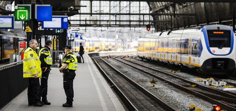 Extra politie op Amsterdam Centraal Beeld ANP