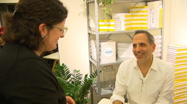 Ottolenghi heeft een geheel eigen kijk op koken en brengt die glashelder over in zijn boeken.