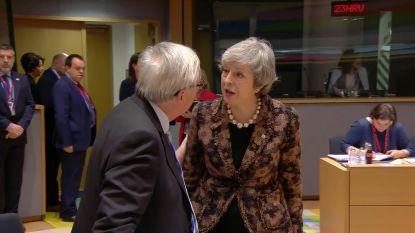 VIDEO. Liplezers ontcijferen bizar gesprek tussen Juncker en May