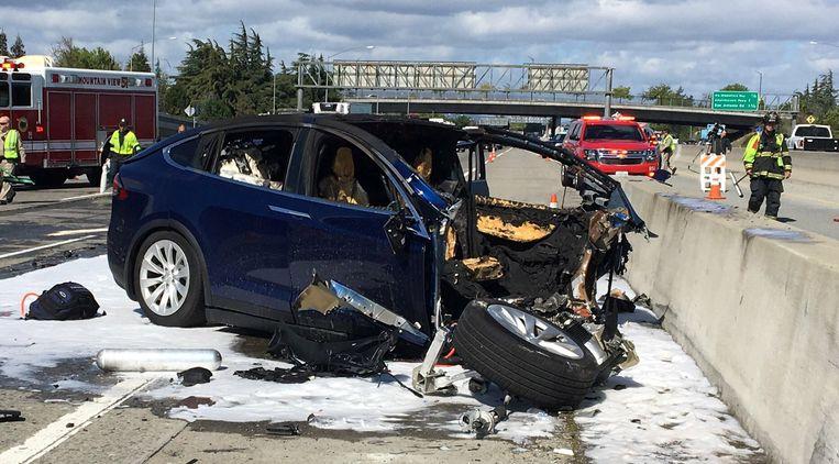 Ongeval met Tesla in Mountain View, Californië.