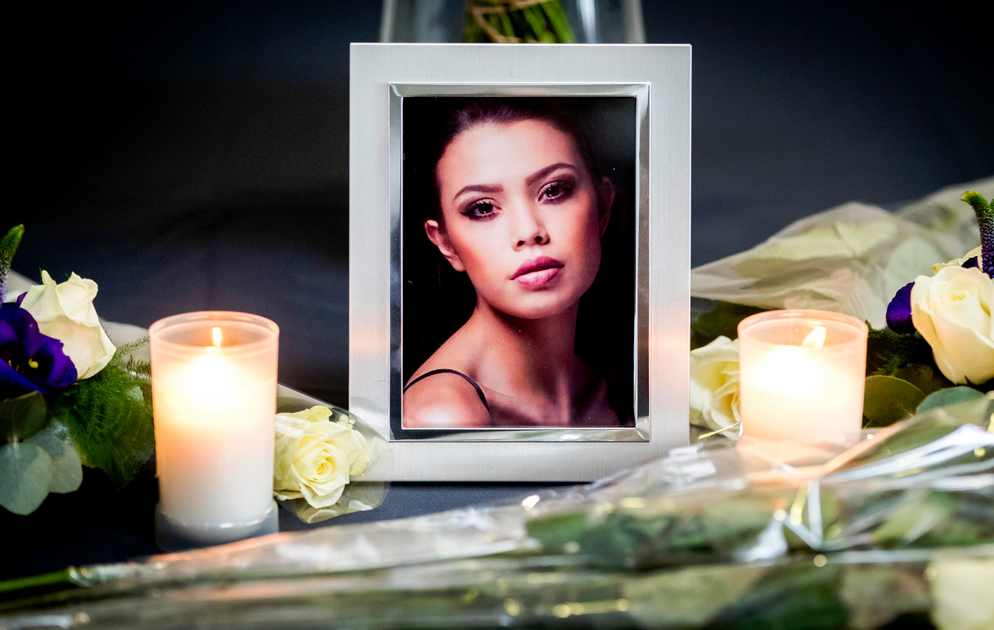 Een foto van de 18-jarige Ivana Smit tijdens de uitvaartplechtigheid. Het fotomodel overleed na een val van een balkon in de Maleisische hoofdstad Kuala Lumpur.