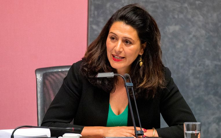 Wethouder Touria Meliani in de Amsterdamse gemeenteraad. Beeld ANP